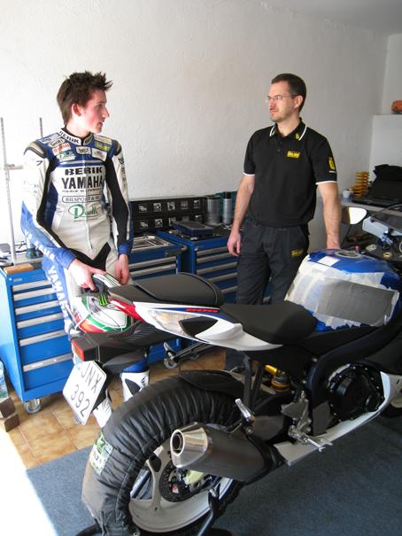 Ohlins-engineer-with-development-2011-Suzuki-GSXR600_webb