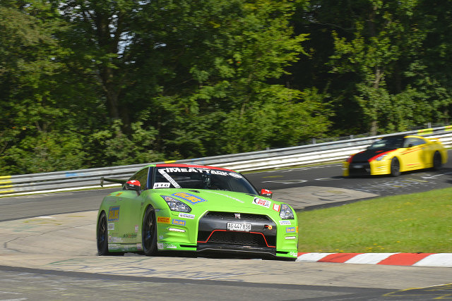 Nissan GTR with Ohlins in action at N'ring